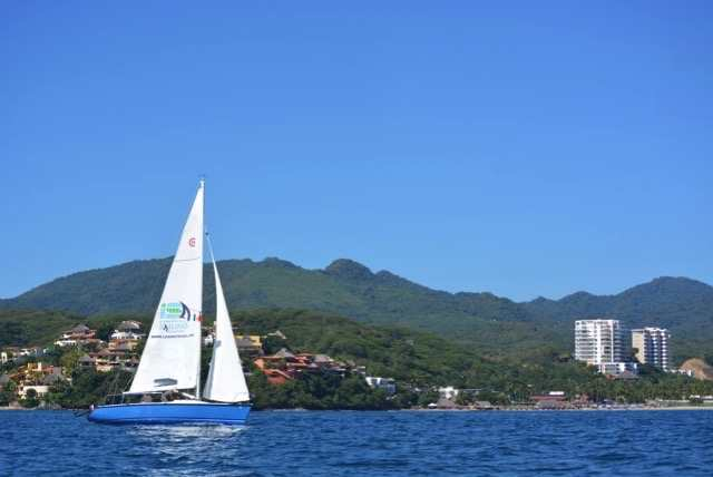 Learn to sail in Mexico